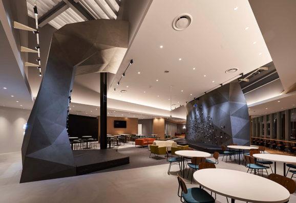 ESR市川DC KLÜBB Lounge WEST